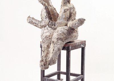 אישה חצויה, 1993, תחבושות גבס על עגלת מתכת