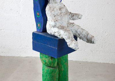אשה על כס טווס, 1994, ברונזה ועץ