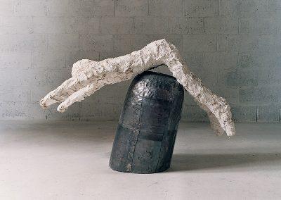 דמות, 1992, עץ עופרת ותחבושות גבס
