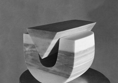 התגלמות, 1977, שיש, אוסף מוזיאון חיפה לאמנות