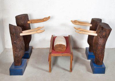 מתת מפתן, 2000, עץ נייר ובד