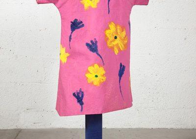 שמלה, 2011, בד ועץ