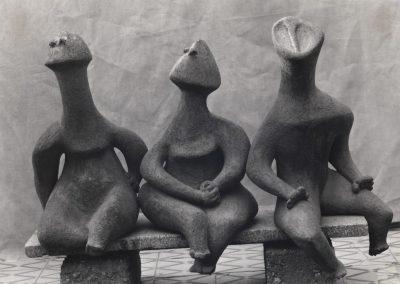 שלוש דמויות, 1961, חומר, במכון ויצמן למדע ברחובות