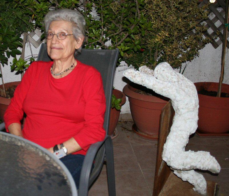 חווה מחותן אמנית פסלת ישראלי